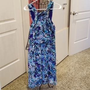 Beautiful flowy halter dress